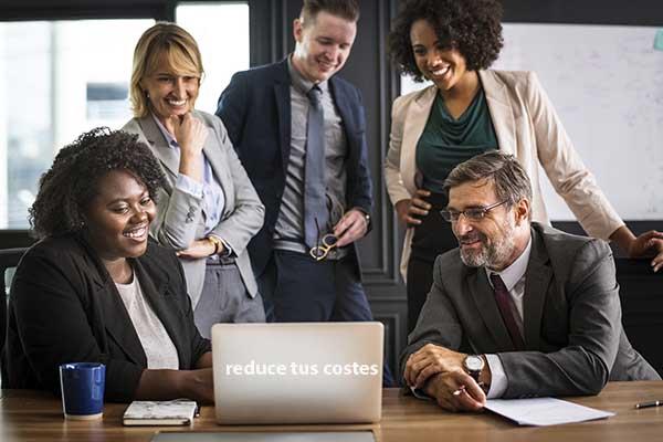 reunión empresarial para reducir costes